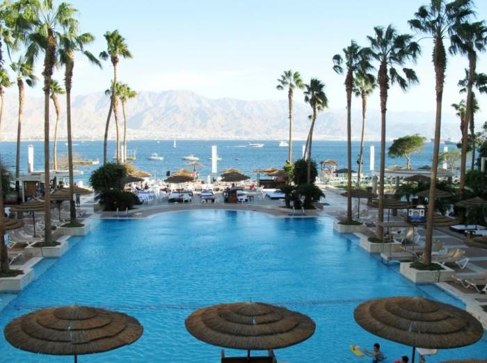Курорты за границей, где в апреле тепло и можно купаться на море