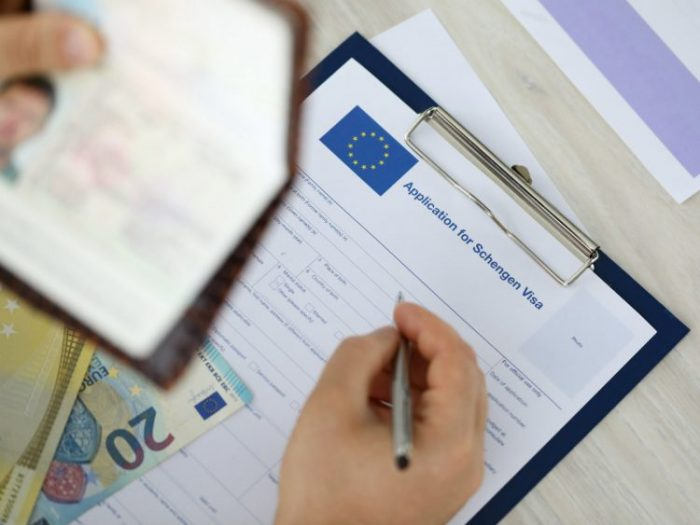 Сколько стоит шенгенская виза для россиян в 2020 году