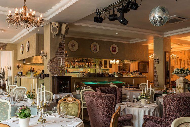 Какие рестораны будут работать в новогоднюю ночь 2021 в Москве